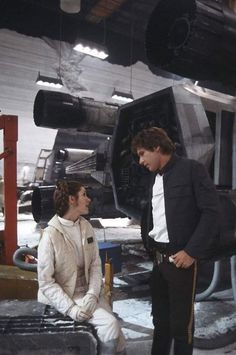 Han and leia Han Solo And Chewbacca, Han And Leia, Sci Fi Movies, Series Movies, Star Wars Fan Art, Star Trek, Star Wars Episode Iv, Cloud City, Star Wars Pictures