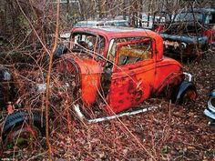 adding my idea-using old abandoned or junk cars to make an interesting rc Ford coupe used on dirt tracks - still worth some bucks Vintage Racing, Vintage Cars, Antique Cars, 32 Ford, Junkyard Cars, Wrecking Yards, Abandoned Cars, Abandoned Vehicles, Abandoned Buildings