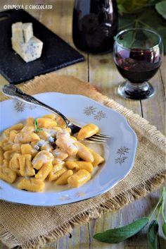 v Gnocchi, Salsa, Meat, Chicken, Ethnic Recipes, Food, Essen, Salsa Music, Meals