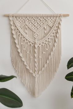 Macrame Wall Hanging Patterns, Wall Hanging Crafts, Wall Patterns, Craft Patterns, Free Macrame Patterns, Weaving Patterns, Bead Patterns, Quilt Patterns, Macrame Plant Holder
