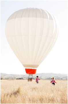 A bohemian venue and celebration must include a cool field and a hot air balloon right? Hot air balloon rides for your guests would be major. Air Balloon Rides, Hot Air Balloon, Air Ballon, Jolie Photo, To Infinity And Beyond, Adventure Is Out There, Adventure Time, Oh The Places You'll Go, Around The Worlds