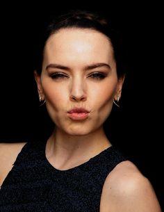 Daisy Ridley *dark face*