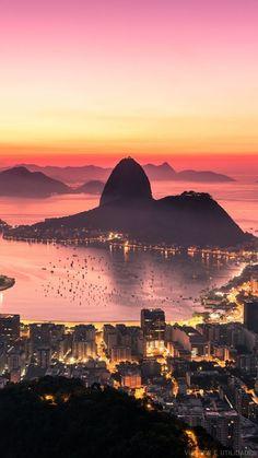 Stadt, Rio De Janeiro, Luftbild, Sonnenaufgang, Hintergrundbild - Oktoberfest Home Brazil Wallpaper, Places Around The World, Around The Worlds, Places To Travel, Places To Go, Cityscape Wallpaper, Beautiful World, Beautiful Places, Beautiful Sunset