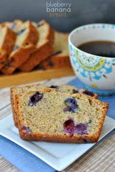Blueberry Banana Bread: easy one bowl banana bread recipe! Freezes well too!