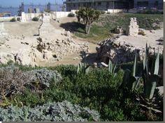 Het grafcomplex van es-Sjatbi in Alexandrië. Behalve een koninklijke begraafplaats waren er in Alexandrië net buiten de stadsmuren aan de oost- en westkant van de stad nog twee grote belangrijke necropolen. Lees het volledige artikel Kemet.nl