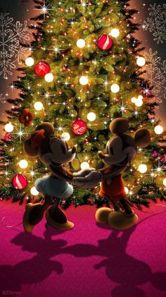 Mickey Mouse, Minnie Mouse, Disney Christmas 2015 by minerva Walt Disney, Disney Fun, Disney Mickey, Disney Stuff, Disney Magic, Wallpaper Natal, Disney Wallpaper, Iphone Wallpaper, Mickey Mouse Christmas
