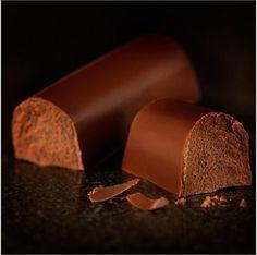 Mini Hazelnut Buche Dark & Nutty - Chocolate Log