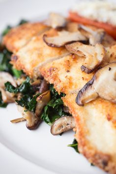 #Recipe / 3Crispy Seared Chicken Breasts with Garlicky Kale & Shiitake Mushrooms
