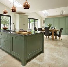 Joanne fell in love with Davonport Kitchens years ago and knew she needed one in her own home. Davonport helped her create the perfect bespoke oak family kitchen. Green Kitchen Island, Kitchen Tops, Open Plan Kitchen, New Kitchen, Kitchen Decor, Compact Kitchen, Shaker Kitchen, Family Kitchen, Kitchen Islands
