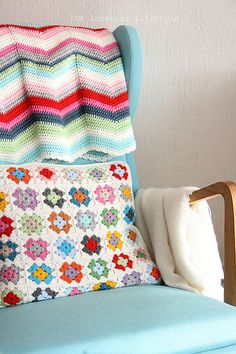 Cosy ripple blanket and granny square pillow.