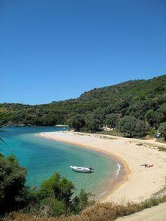 Agia Paraskevi beach-Perdika,Thesprotia,Northern Epirus in Greece Beautiful Islands, Beautiful Beaches, Places To Travel, Places To Visit, Places In Greece, Greece Holiday, Greece Islands, Santorini Greece, Greece Travel