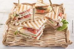 Club Sandwich Fast Easy Meals, Food Categories, Finger Foods, Food Art, Pasta Salad, Sandwiches, Sweets, Lunch, Bread