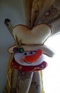 Snowman tie back Christmas Snowman, Christmas 2019, Christmas Holidays, Christmas Wreaths, Christmas Crafts, Christmas Decorations, Christmas Ornaments, Holiday Decor, Christmas Windows
