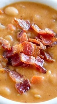 Skip the can - this Homemade Bean and Bacon Soup is hearty and filling and filled with veggies and chunks of bacon! Skip the can - this Homemade Bean and Bacon Soup is hearty and filling and filled with veggies and chunks of bacon! Homemade Beans, Homemade Soup, Homemade Recipe, Cooker Recipes, Crockpot Recipes, Bacon Recipes, Hearty Soup Recipes, Chili Recipes, Potato Recipes