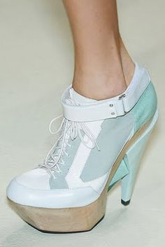 Sexual shoes!! WANT!! - Like to say not normally such a shoe freak!!