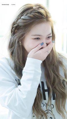 Red Velvet Yeri - in 2020 Red Velvet イェリ, Velvet Hair, Red Velvet Irene, Seulgi, K Wallpaper, Kim Yerim, Cute Hairstyles, Kpop Hairstyle, Korean Hairstyles