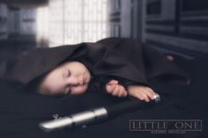 Star Wars theme.  [ Little One ] [Rogue One] Fanart photo by Aleksandr zheglov  Background : https://twitter.com/search?q=MaceMadunusus%20death&src=typd