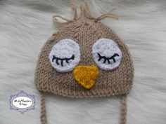 Newborn hat, Newborn girl, newborn boy, knit newborn hat, Newborn photo, Newborn props, Sleepy birdie hat, sleepy owl, knit owl hat, rts by MikyNewbornProps on Etsy Knitted Owl, Knitted Hats, Crochet Hats, Owl Hat, Newborn Photos, Baby Gifts, Winter Hats, Knitting, Boys