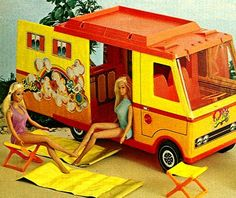 Malibu Barbie Camper I got this for my Birthday! I spent many, many hours playing with Malibu Barbie. Barbie Van, Barbie Camper, Camping Barbie, Barbie Y Ken, Barbie Toys, Camper Van, Barbie Dream, Barbie Playsets, Barbie Stuff