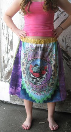 grateful dead skirt * I wanna recycle t-shirts into dresses and tops SO BADLY :)