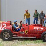 Alberto Ascari Ferrari en Indianapolis 1/43 Diorama