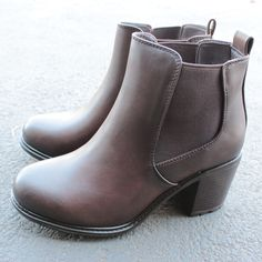 two tone dark brown chelsea boots