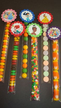 Disney Princess Candy Tubes by threeofakindmunchkin on Etsy Source by myhappybirthday Disney Princess Party, Cinderella Party, Princess Theme, Party Treats, Party Favors, Bar A Bonbon, Candy Crafts, Candy Bouquet, Candy Table