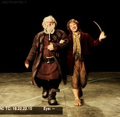 (gif) Bilbo and Dori prancing around. :D << I lost it and had a giggle fit. Something's wrong with me.