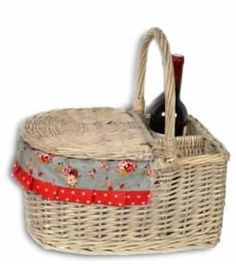 Traditional Wicker Picnic Basket £34.95 http://www.lovefromrosie.co.uk/traditional-wicker-picnic-basket-p/ccwipic.htm