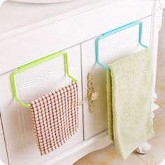 Kitchen Towel Rack, Towel Rack Bathroom, Bathroom Hardware, Towel Organization, Bathroom Organisation, Kitchen Organization, Kitchen Cabinets In Bathroom, Buy Kitchen, Kitchen Furniture