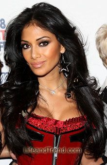 Nicole Scherzinger - She never takes a wrong step when it comes to her gorgeous locks!