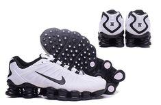 f8388bc30db Tênis Nike Shox TLX 12 Molas - Branco com Preto Gênero Unissex Material de  Forro