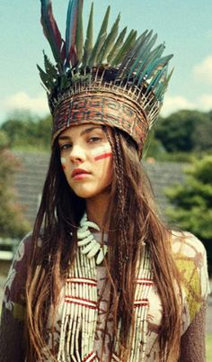 Tribal fashion editorials - Native American Tribal Style in the Fashion and Makeup Industries Native American Women, Native American Fashion, Native American Indians, Native Fashion, Native American Makeup, Warrior Fashion, American War, Moda Tribal, Tribal Mode