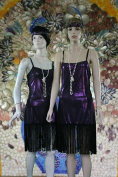 Shiny fringed dresses for serious flapper dancing moments!