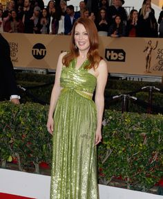 Julianne Moore in a Givenchy Haute Couture dress and Chopard jewelry