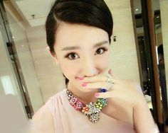 Chromall. Fashion Rose Gem Rhinestone Flower Statement Chunky Bib Necklace http://chromall.com