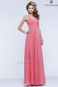 Vestido de fiesta largo con escote en espalda modelo 6825S by Faviana | Boutique Clara. Tu tienda de vestidos de fiesta.