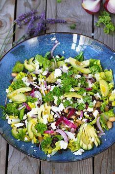 Den - Food and Drink Tasty Dishes, Side Dishes, Everyday Food, Summer Salads, Frisk, Food Hacks, Mozzarella, Raisin, Sweet Potato