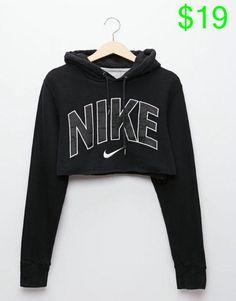 Wheretoget - Black Nike cropped hoodie sweatshirt