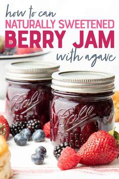 Healthy Mug Recipes, Jam Recipes, Canning Recipes, Cookbook Recipes, Mixed Berry Jam, Mixed Berries, Savory Breakfast, Breakfast Items, Triple Berry Jam Recipe
