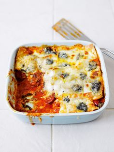 Quattro formaggi and spicy pepperoni lasagne recipe recipes Lasagne Recipes, Pasta Recipes, Cooking Recipes, Pork Recipes, How To Make Lasagne, Make Your Own Pasta, Pork Mince, Good Food, Yummy Food