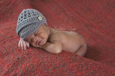 Newborn Newsboy Hat  A great gift idea, or adorable for newborn pictures.