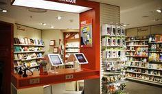 Weblib innove dans le Travel Retail avec Relay Digital Retail, Restaurant, Find Picture, Liquor Cabinet, Bar, Storage, Boutiques, Furniture, Home Decor
