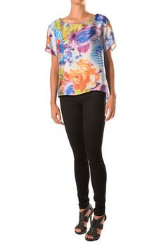 Printed Short Sleeve Top Printed Shorts, Sleeves, Prints, Fashion Design, Collection, Tops, Cap Sleeves