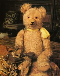 """I love old teddy bears and I'm fortunate enough to have """"Jeremiah"""" - my good friend who looks similar to this bear :)"""