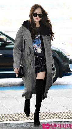 Kim so hyun 2019 Fashion Idol, Kpop Fashion, Airport Fashion, Asian Actors, Korean Actresses, Kim Son, Kim So Hyun Fashion, Cute Girl Image, Korean Tv Series