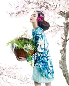 Vogue Korea: Spring Breeze by Bon Chang Koo Vogue Korea, Vogue Editorial, Editorial Fashion, Korea Fashion, Asian Fashion, Kimono Fashion, Fashion Art, Chinoiserie, Korean Beauty