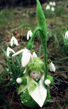 Blumenkind Schneeglöckchen Jahreszeitentisch von Zauberland auf DaWanda.com