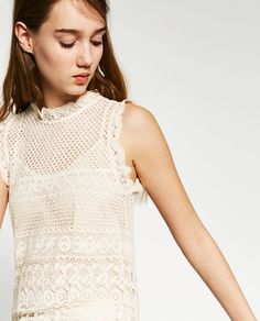 CONTRAST CROCHET TOP
