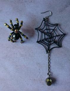 ハロウィン 蜘蛛のピアス「夜の女王」アシンメトリー
